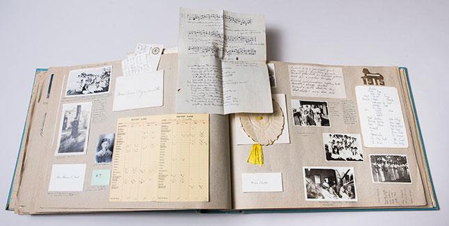 Archives scrapbook
