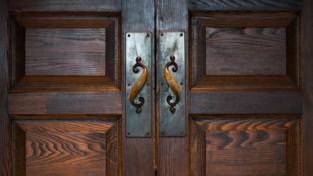 Chapin doors