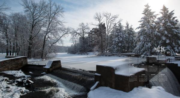 2021 Calendar Winter background