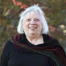 Linda Laderach headshot
