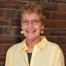 Sandra Lawrence headshot